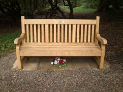 I love the benches to remember people