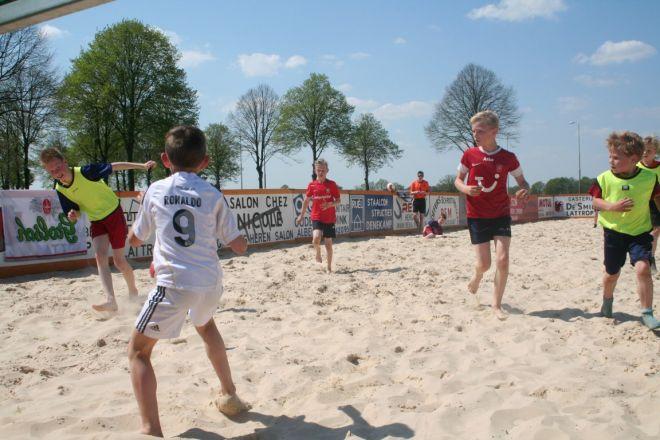za5_voet-volleybal (2)