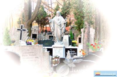Figura na cmentarzu
