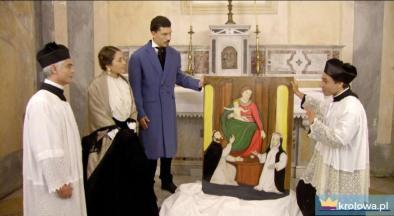 Kadr z filmu: przywiezienie pompejańskiego obrazu