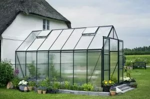 Production of greenhouses with their own hands from the profile pipe and polycarbonate: a complete description of the process, drawings with dimensions, watering and heating (photos & video)