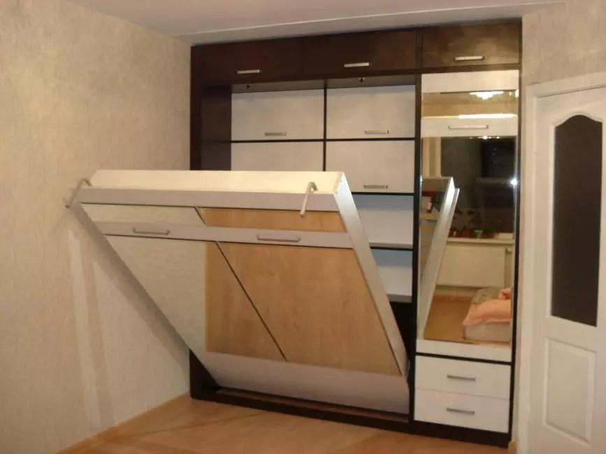 Ντουλάπα κρεβάτι με μηχανισμό ανύψωσης στο εσωτερικό