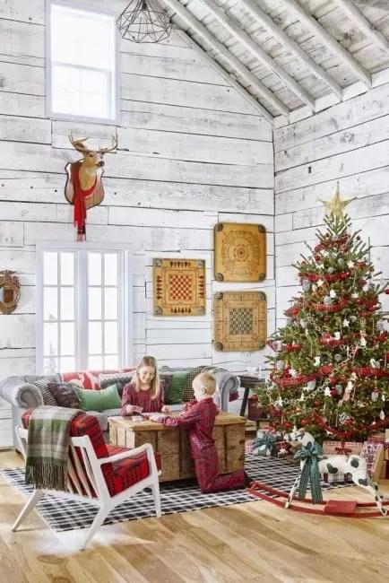 Engelsk celle - en uvanlig innredning ide. Båndet i buret dekorerer gran, bokser med gaver og til og med barnas klær!