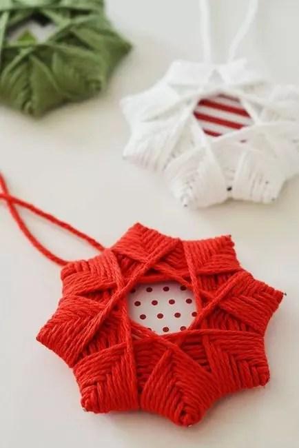 Kaunis tervehdyskortti perustana ja käämitys langasta - niin se osoittautuu joulu tähti!
