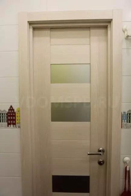 Ecochasponed dörr i badrummet