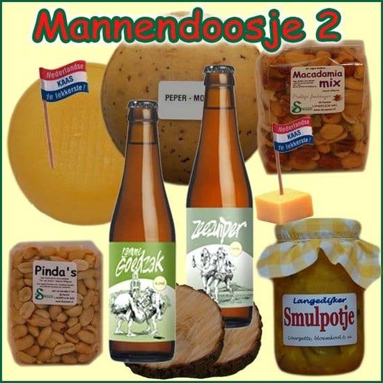 Kerstpakket man 2 - Streekpakket gevuld met echte lokale streekproducten voor mannen - Relatiegeschenk Specialist - www.kerstpakkettencadeaubon.nl
