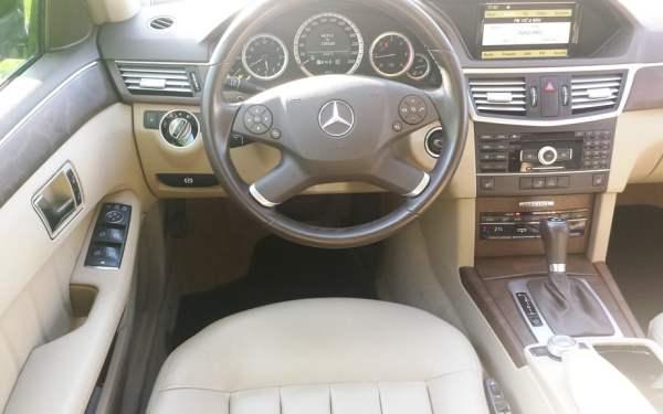 Mercedes-Benz-E250-3
