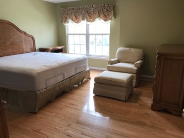 2 9 - New Hardwood & Carpet