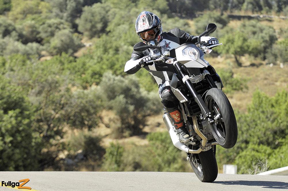 תנועה עם האופנוע