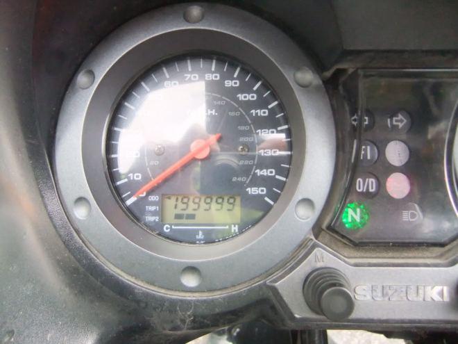 200000-km-dash.jpg