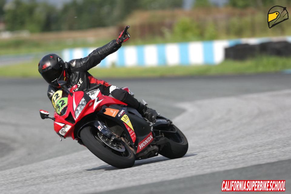 מצערת אופנוע