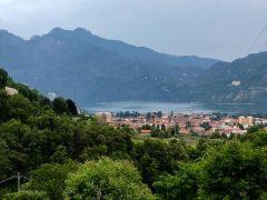 Mandelo-del-lario-motoguzzi-italy-trip-tal-koren-kruvlog-4