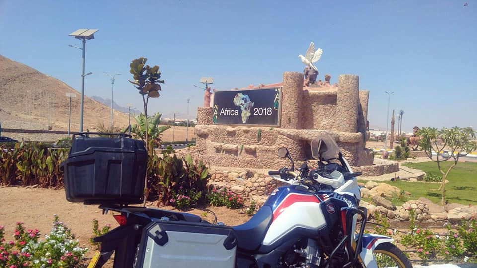 עם האופנוע לסיני