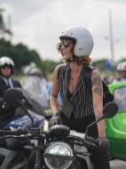 אוהבת אופנועים