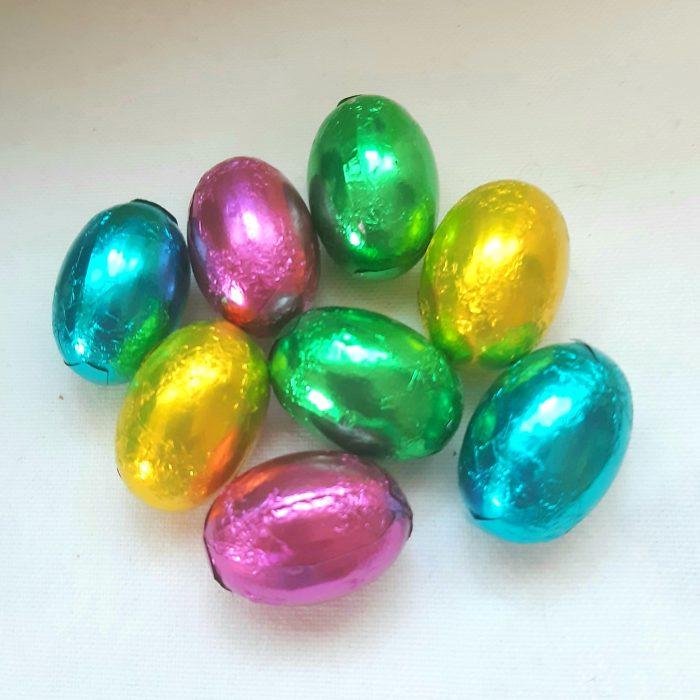 Nougatägg i påskens färger