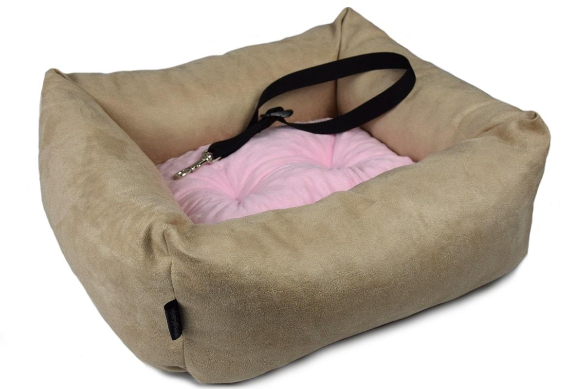 KryKas - antyalergiczny fotelik samochodowy premium dla psa - beżowy z różową poduszką
