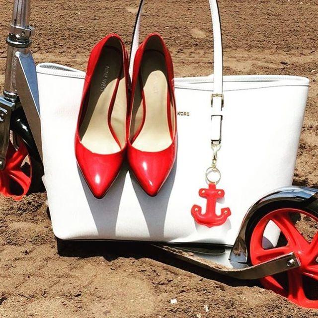 myshoes red redshoes whitebag scooter bag fashionblog fashionblogger blogger mystylehellip