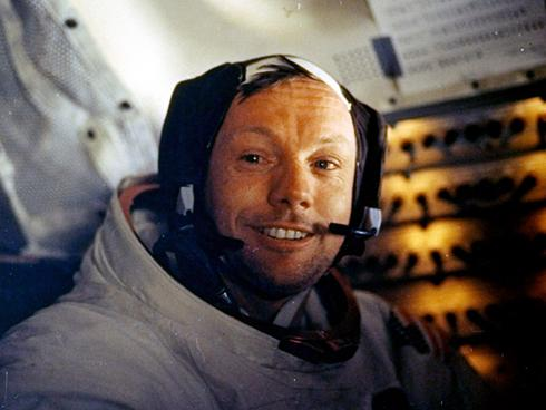 RIP Neil Armstrong, First Man On the Moon – 1930-2012