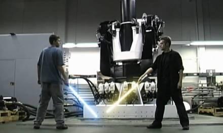 Video of the Day: Ryan vs Brandon 2 Lightsaber Duel