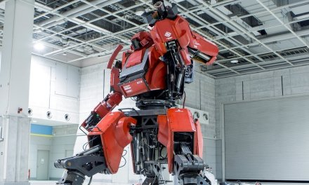 Japan Accepts American Giant Robot Battle Challenge