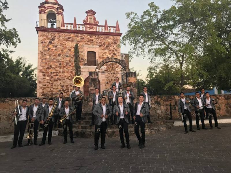 Why the Best Music Talent comes to Cancun (2)