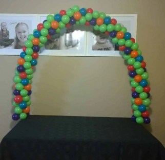 Table balloon arch only $50.