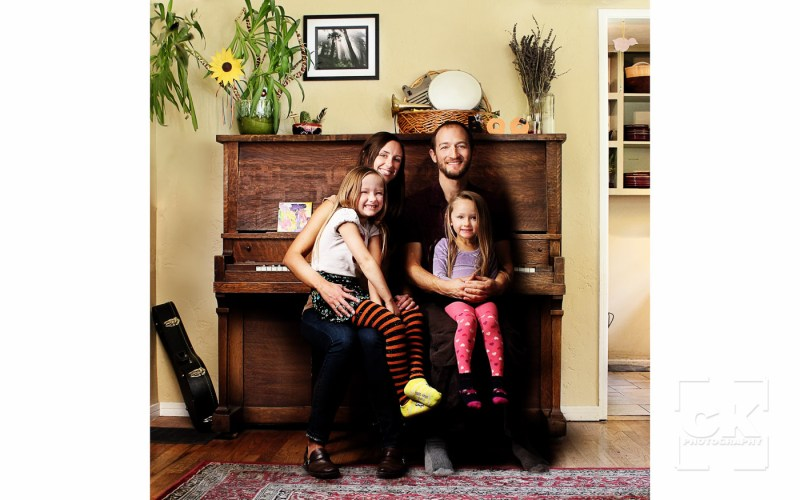 Chris Kryzanek Photography family - in front of piano