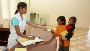 Rezeption des Kirpal Sagar Charitable Hospital: ein Rezept für das Baby