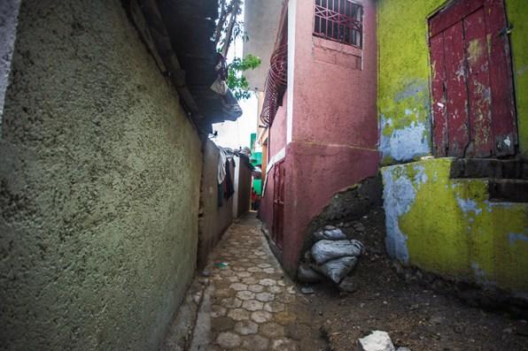 narrow streets in Jalousie