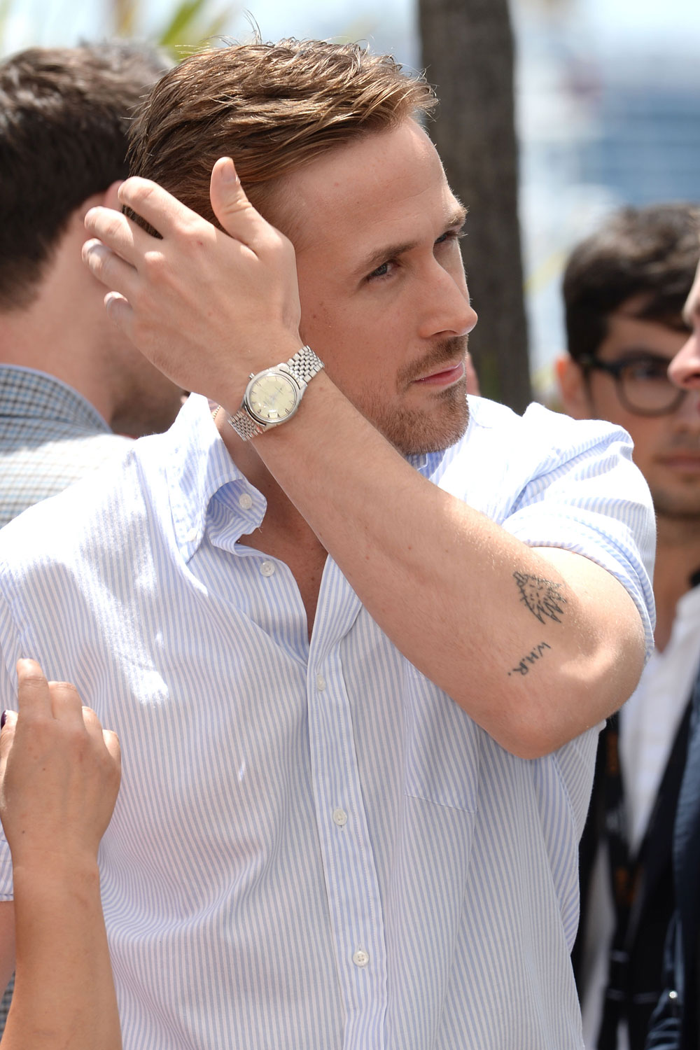 Ryan Gosling Looks Dreamy At The Photo Call For His New
