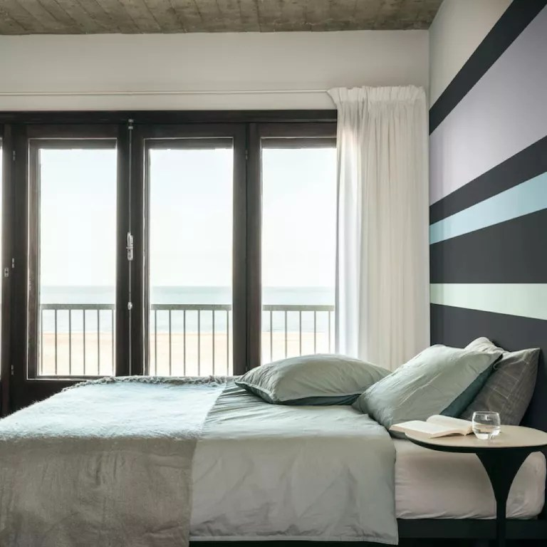 black and white bedroom ideas with a