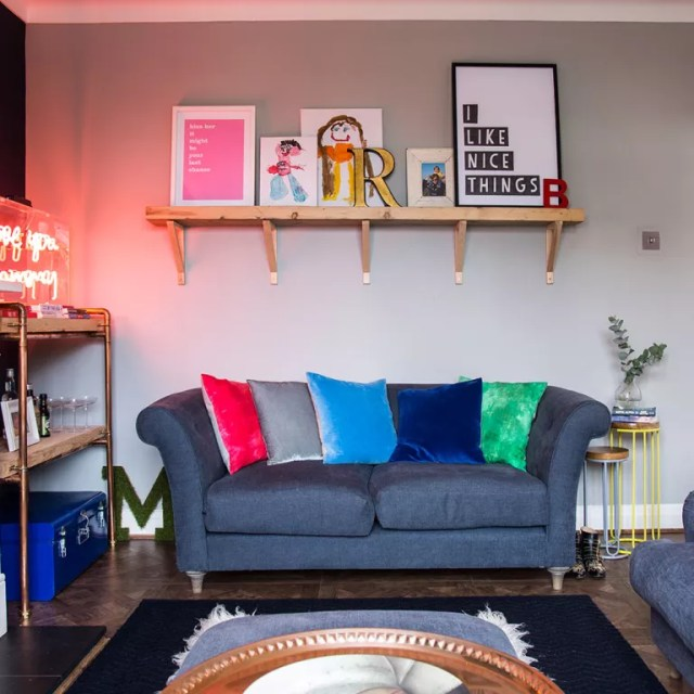 Small living room ideas - how to decorate compact sitting ...