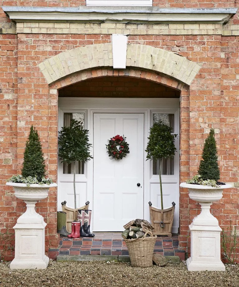 Outdoor Christmas Decorating Ideas Ideal Home
