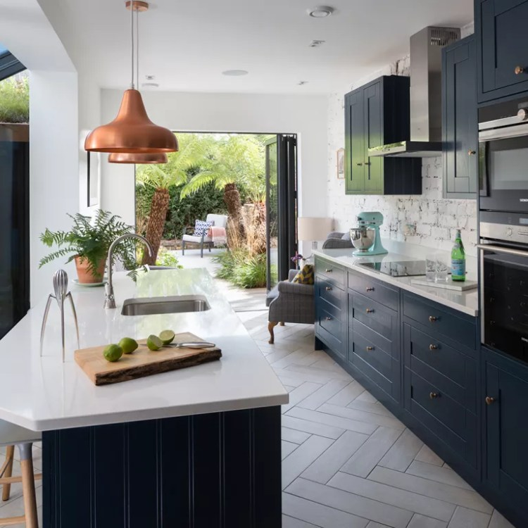 Navy-kitchen-makeover-with-mini-side-return-extension-6