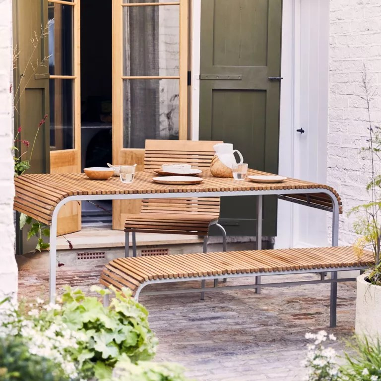 the rich brothers garden furniture has