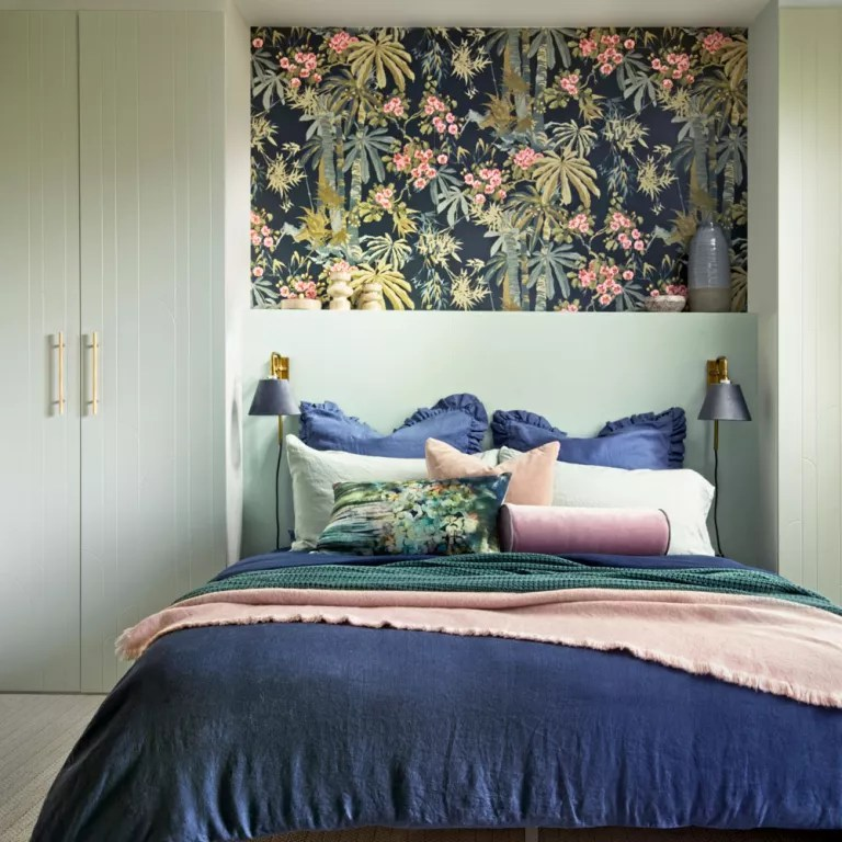 small bedroom ideas how to decorate and furnish a small bedroom