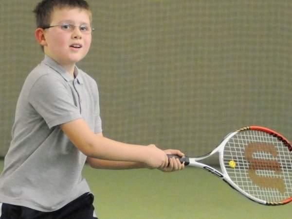 Kinder- und Jugendspiele Tennis