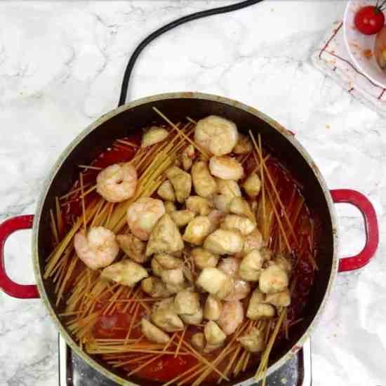 Chicken and prawn pasta recipe. Easy recipe. easy pasta in tomato sauce recipe