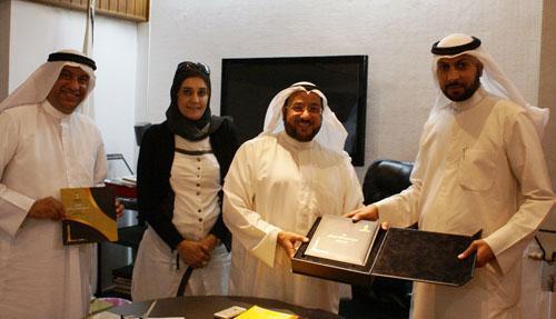 """الحمود يستقبل وفد """" الكويت عاصمة النفط في العالم"""" ويشيد بالمبادرة"""