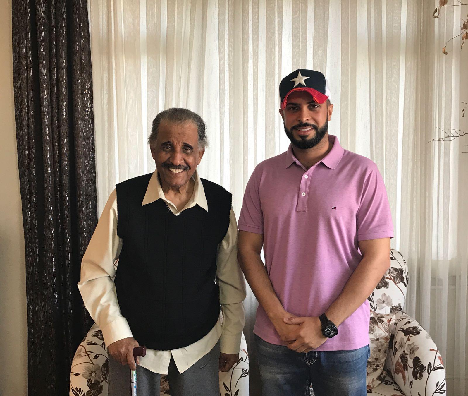 قام رئيس لجنة العلاقات العامة م. محمد العوض بزيارة الفنان القدير محمد جابر