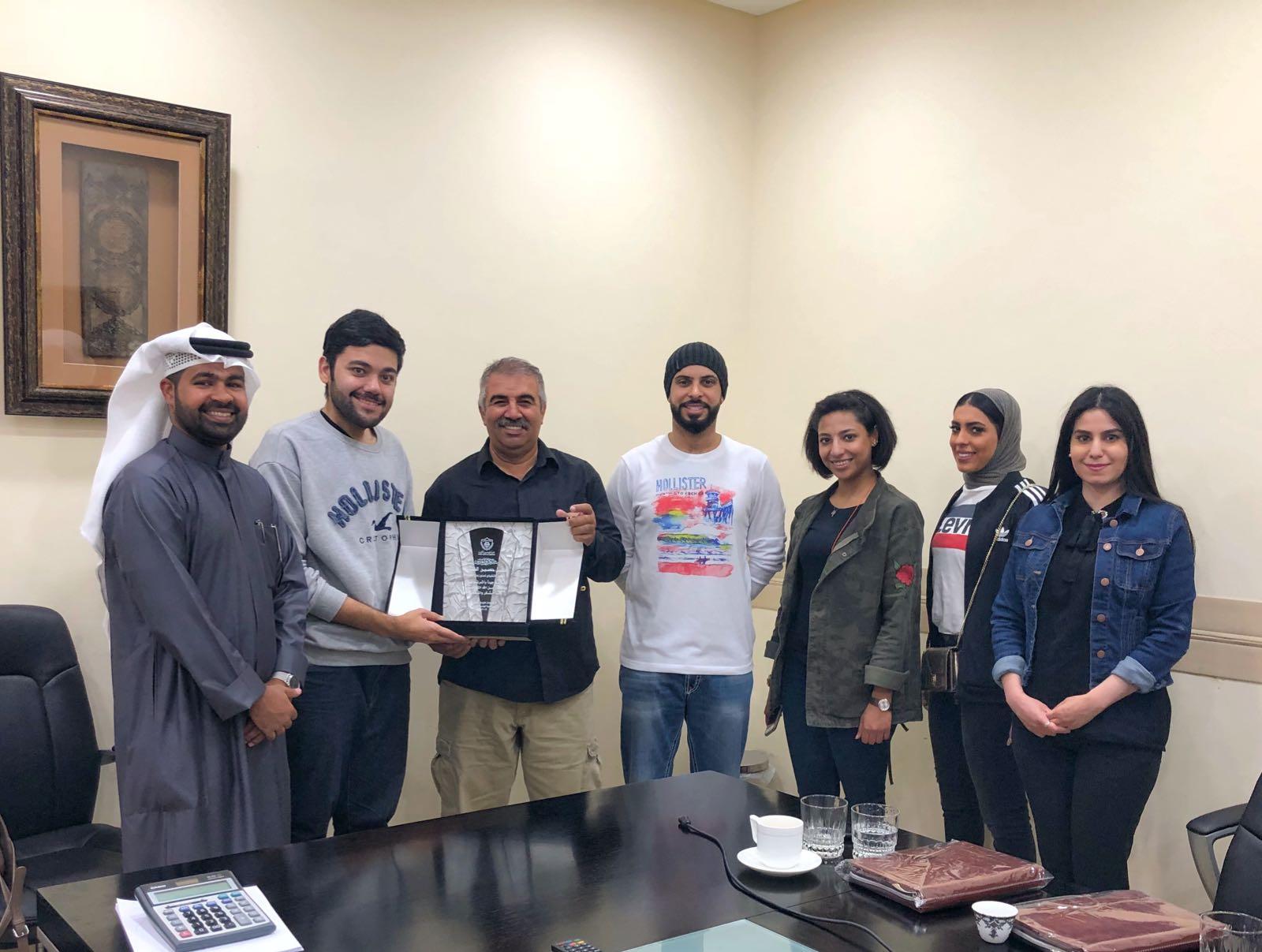 نظمت لجنة العلاقات العامة زيارة ميدانية الي مصنع الخليج للزجاج