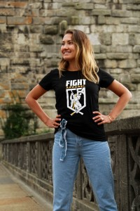 Girl in Sport Casual t-shirt fashion lookbook street style image