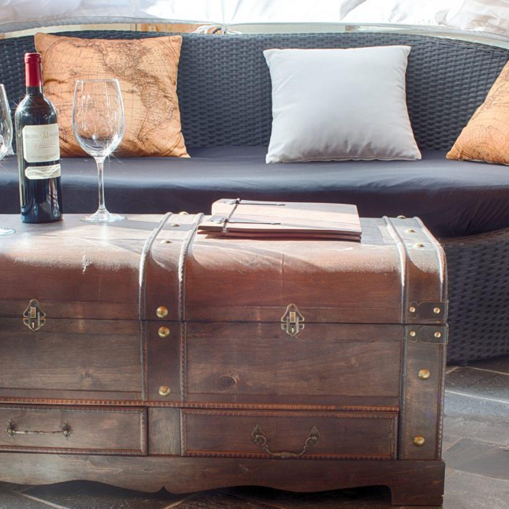 Picture Stylish Restatuant and Bar decor
