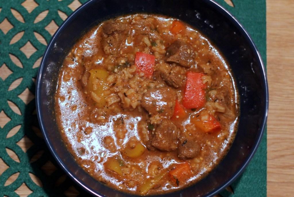 Charczo  – gęsta zupa gulaszowa - gotowe danie