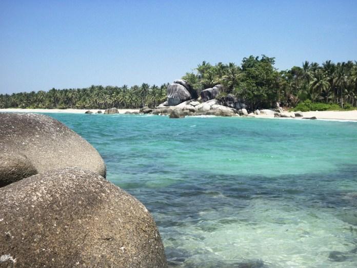 Pantai Siangau Cantiknya Panaroma Bahari di Bangka ...