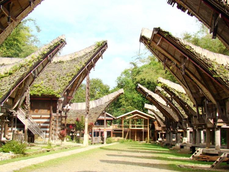 keunikan rumah adat sulawesi selatan