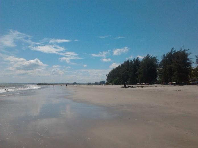 Pantai Gandoriah Panorama Indah di Kota Sala Lauak ...