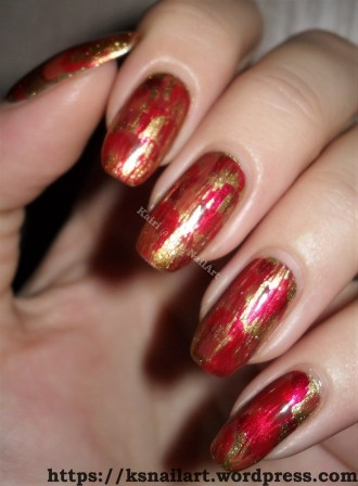 Distressed Christmas Nails