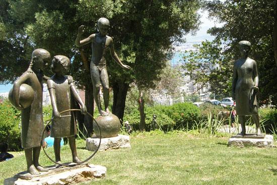 Сад скульптур на бульваре Сионизма в Хайфе
