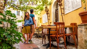 Sep16 | Èze's pretty little shaded squares